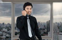 Телефон бизнесмена говоря Стоковая Фотография