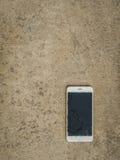 Телефон великолепного экрана умный на поле Стоковое Изображение RF