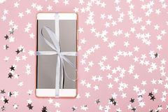Телефон как подарок и мечта Стоковые Изображения