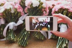 Телефон камеры Smartphone принимая фото Стоковое Изображение RF