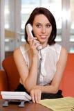 телефон назеиной линия коммерсантки беседуя Стоковые Изображения