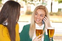 Телефон mobil друзей Стоковые Изображения RF