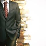 Тело ` s бизнесмена на предпосылке города Стоковая Фотография RF
