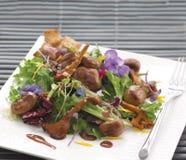 Телячья почка и салат лисичек Стоковые Фотографии RF