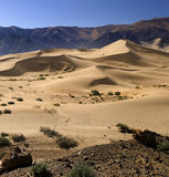 тибетец Тибета песка плато дюн пустыни стоковое изображение rf