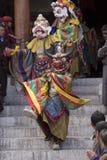 Тибетские буддийские ламы в мистических масках выполняют ритуальный танец Tsam Монастырь Hemis, Ladakh, Индия Стоковое фото RF