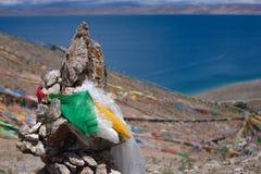 Тибетские святые флаги с мантрами Стоковое Изображение