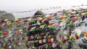 Тибетские флаги молитве сток-видео