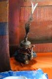 Тибетский буддийский натюрморт - сосуд воды Gompa Hemis, Ladakh, стоковые изображения rf