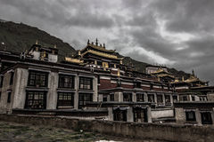 тибетский монастырь, Тибет стоковое изображение rf