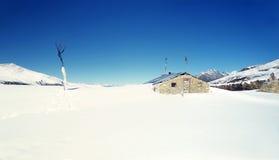 Тибетский дом в зиме Стоковые Изображения