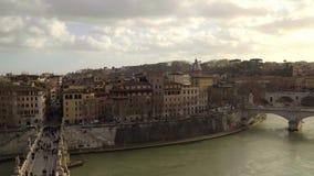 Тибр и небо Панорама Рима от Castel Sant Angelo, Италии, лета сток-видео