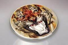 Тигр, необыкновенная серебряная монета, тигр ревя, collectibles Стоковая Фотография RF