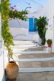 Типичная архитектура Cycladic, деревня Plaka, Milos остров, Киклады, Греция Стоковые Фотографии RF