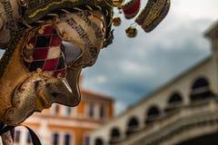 Типичная венецианская маска масленицы стоковые фотографии rf