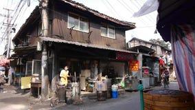 Типичная китайская старая улица городка, рынок покупок Шанхая традиционный видеоматериал