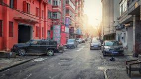 Типичная сонная улица в Mudanjiang стоковые изображения rf