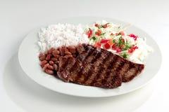 Типичная тарелка Бразилии, риса и фасолей Стоковые Фото