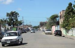 Типичная улица в городе Cumana стоковая фотография