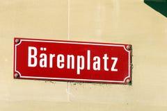 Типичное имя улицы подписывает внутри старый город, Bern, Швейцарию Стоковые Фото