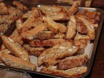 Типичное итальянское печенье с миндалиной: Crumbly Cantucci от Tusca Стоковая Фотография RF