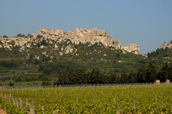 Типичные ландшафты Les-Baux-de-Провансали стоковые изображения