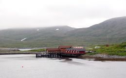 Типичные дома в Lofoten, Норвегии стоковое фото rf