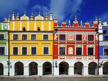 Типичные польские дома в Zamosc стоковые изображения rf