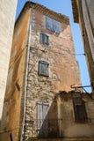 Типичные старые каменные дома в деревне Gordes, Воклюз, Провансали Стоковые Изображения