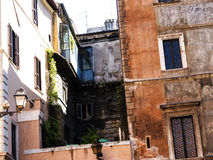 Типичные таунхаусы в Риме Италии Стоковая Фотография RF