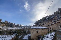 Типичный дом Orbaneja del Castillo, Бургоса, Испании стоковые изображения rf