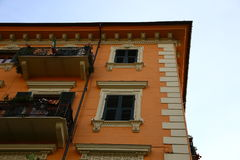 Типичный среднеземноморской фасад в утре Стоковая Фотография