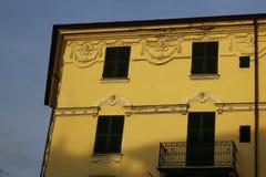 Типичный среднеземноморской фасад в утре Стоковые Изображения RF