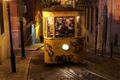 Типичный трамвай Лиссабона, Португалия, Европа стоковая фотография rf