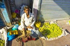 Типичный vegetable уличный рынок Стоковые Изображения RF