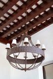Тип блеска утюга колониальный на потолке Стоковое фото RF