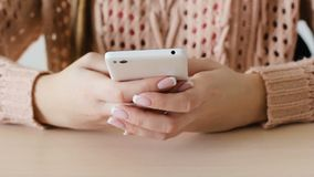 Тип блог женщины связи социальный текстового сообщения сток-видео