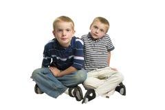 тип мальчиков индийский сидя Стоковая Фотография