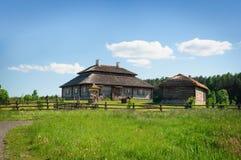 тип сельского дома старый восстановленный русский Стоковые Фото