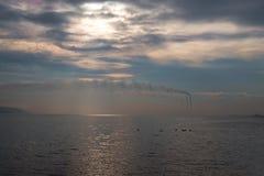 Титанические заводы и их перегары стоковое изображение