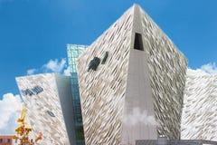 Титанический музей в солнечном дне, Белфаст Стоковые Изображения