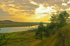 Тихий вечер осени на Волге Стоковая Фотография RF