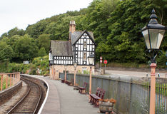 Тихий вокзал линии ветвления в Уэльсе Стоковое фото RF