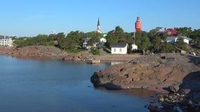 Тихое утро лета на скалистом береге Hanko Финляндия сток-видео