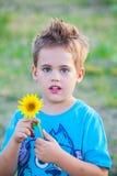 5-ти летний мальчик внешний Стоковое фото RF
