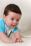 1-ти летний ребёнок в футболке Стоковые Изображения