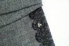 Ткань для платья ` s женщин, пальто, с шнурком и стразами стоковые фото