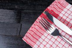 Ткань кухни предпосылки вилки ножа столового прибора естественная деревянная Стоковое Изображение