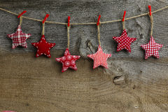 Ткань с Рождеством Христовым украшения смертной казни через повешение красная и белая картины Стоковые Изображения RF