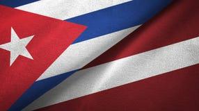 Ткань ткани флагов Кубы и Латвии 2, текстура ткани иллюстрация штока